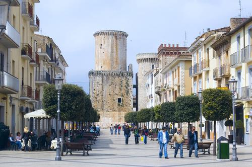 Fondi, agevolazioni per le attività commerciali e artigianali site nel centro storico
