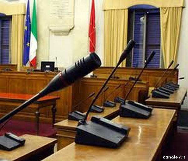 """A Fondi si presenta il """"Manuale per un consigliere comunale di opposizione"""" di Franco Brugnola"""