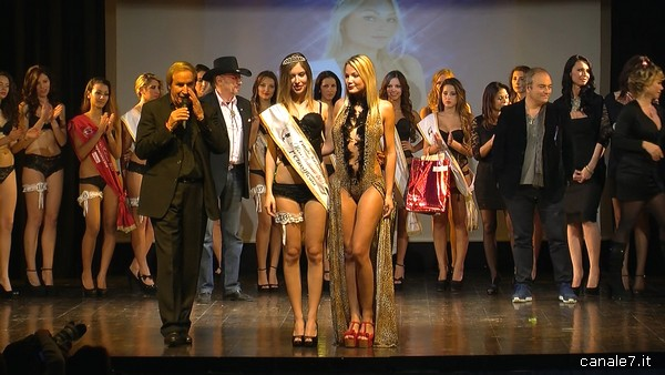 scatto miss intimo 12 11 13_comp