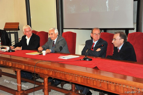 Incontro Sarcofago Fondi 6 dic 2013 01_comp