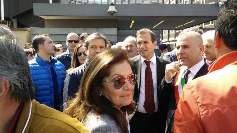 manifestazione pro ospedale presso Regione Lazio lun 13 apr 15 (sindaco de meo) (1)