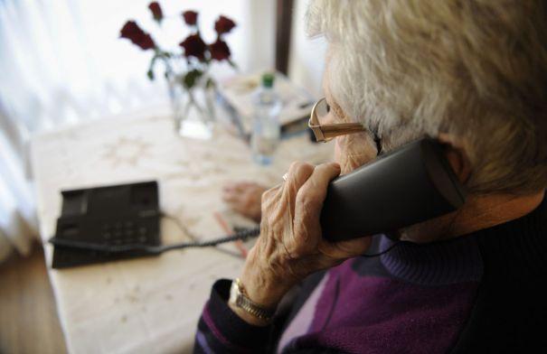 raggiro telefonico truffa anziani