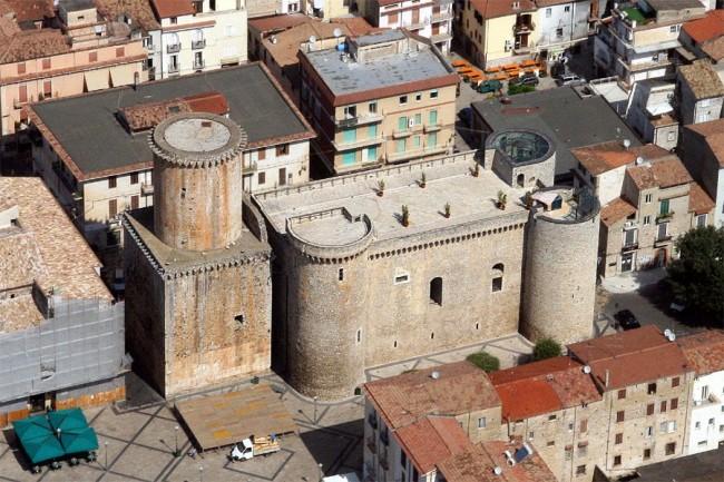 Castello-di-Fondi