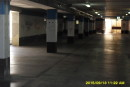 Il parcheggio abbandonato, proprio sotto le mura del Comune