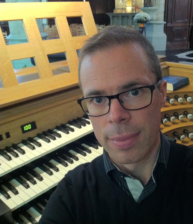Organista svedese Fredrik Albertsson+