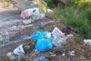 Degrado e rifiuti dannosi alla salute in Via Fosso di Lenola: l'esposto del M5S di Fondi