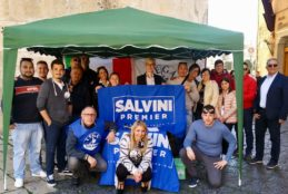 """Lega Salvini Premier Fondi"" tra la gente"