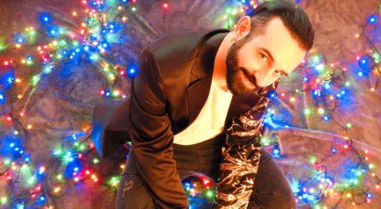 Il cantautore Luca Capizzi e l'amore virtuale