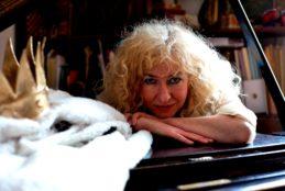LOVE ANIMALS progetto musicale di Alessandra Celletti dedicato a 6 animali